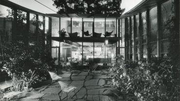 Boyd House, Walsh Street, South Yarra 1958. Architect: Robin Boyd. Photograph: Mark Strizic c.1965 © Estate of Mark Strizic.