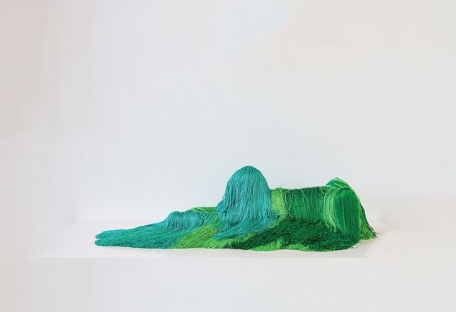 Troy Emery, the emerald sphinx, 2020. Polyester, polyurethane, wire, fibreglass, pins, adhesive, 24 x 98 x 40 cm. Image courtesy of the artist and Martin Browne Contemporary