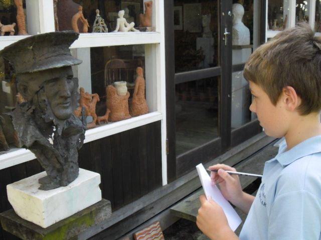 GALLERY Duldig Student with sculpture