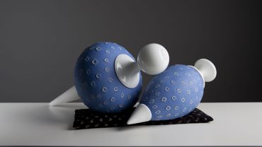 Nick Mount, Reclining Bobs #SB010113, 2013, granular murrini glass, cut, polished, assembled, 22 x 42 x 24 cm. Purchased from the artist, 2013. Collection of Latrobe Regional Gallery.