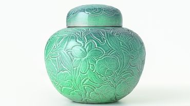 Klytie Pate. Covered jar c. 1943. earthenware. National Gallery of Victoria, Melbourne