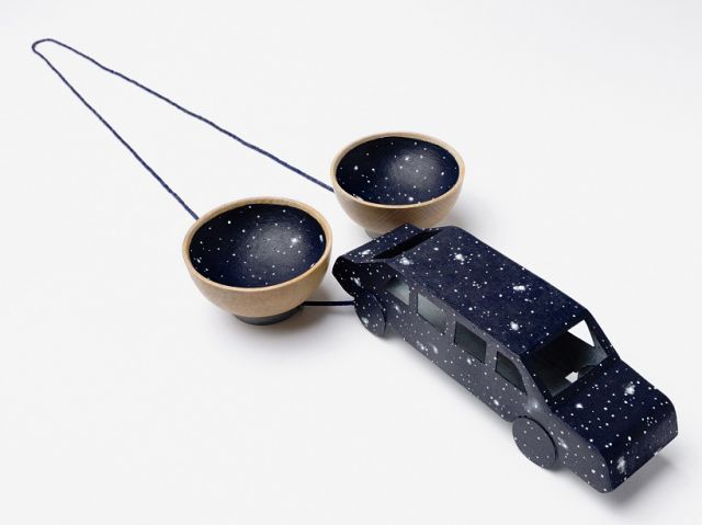 Lucy Sarneel, Starry Sky Limousine Drive, 2013, zinc, acrylic paint, varnish, lapis lazuli, wood and nylon thread, 47 x 12.5 x 4.4 cm. Photographed by Eric Knoote
