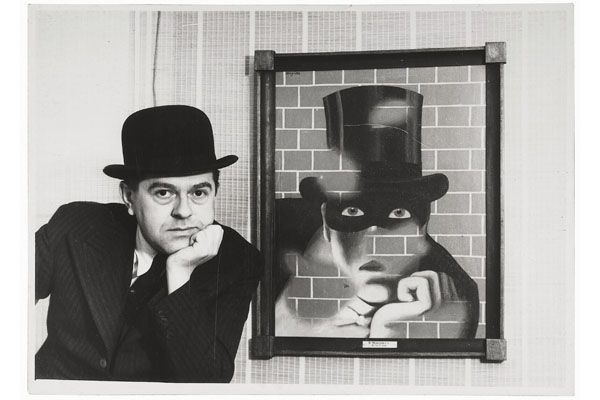 LRG_Ren%C3%A9%20Magritte_Ren%C3%A9%20Magritte%20and%20The%20Barbarian%20%28Le%20Barbare%29_web