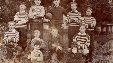 Unknown photographer Children in the back yard 1880s, silver gelatin photograph. Bob Gartland Collection.